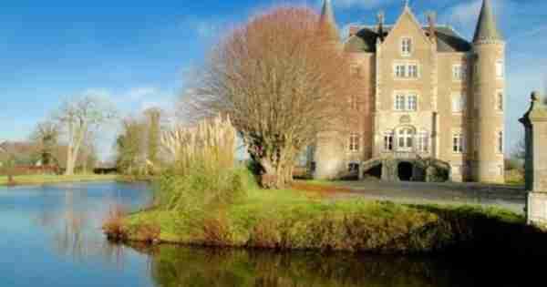 家庭互换伦敦公寓为法国童话城堡